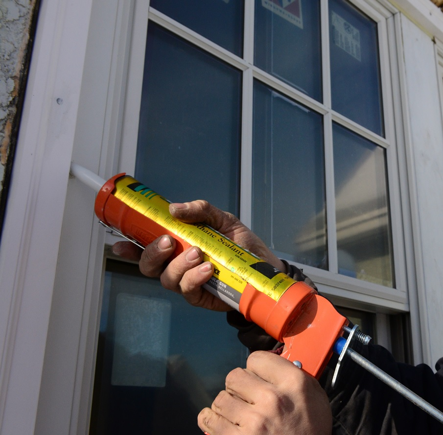 sealing door frames with low modulus neutral silicone sealants